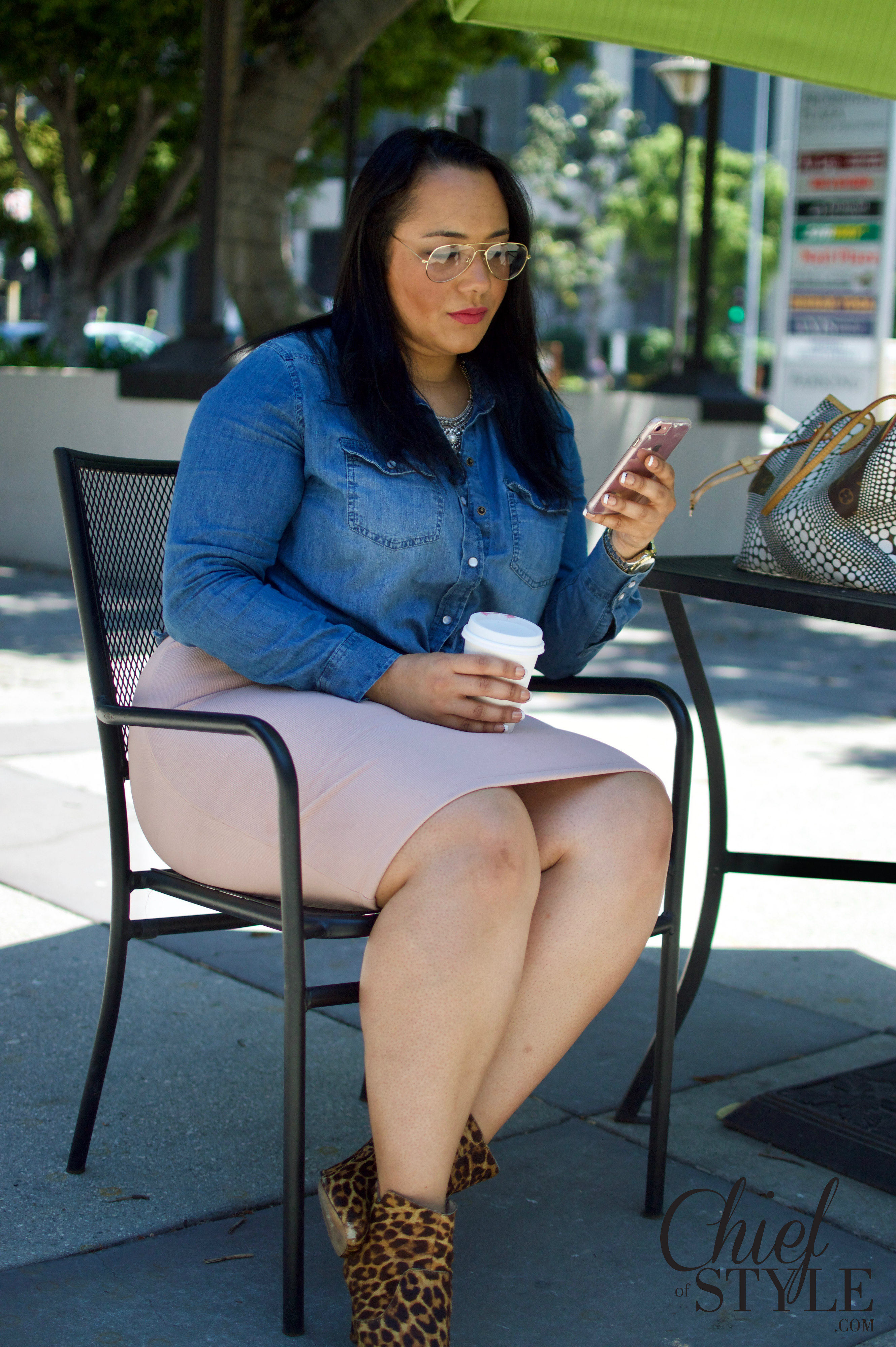Amy Stretten, The Chief of Style, lover of plus size fashion, wearing Forever 21 Plus.
